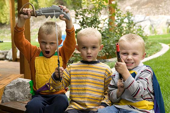 11kinder-waffen-560-250334